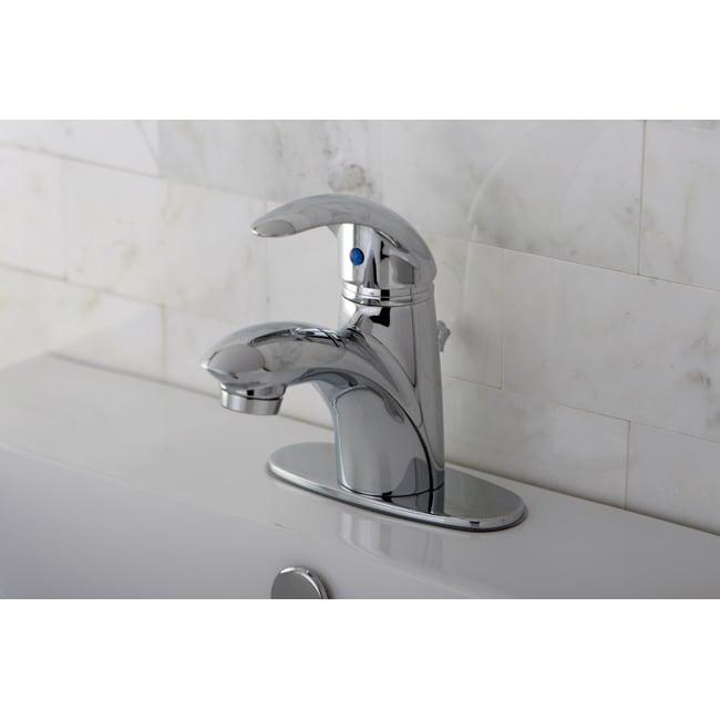 Single-handle Chrome Centerset Bathroom Faucet