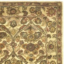 Safavieh Handmade Treasured Gold Wool Rug (4' x 6') - Thumbnail 1