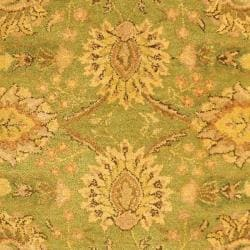 Safavieh Handmade Old World Light Green/ Ivory Wool Rug (7'6 x 9'6) - Thumbnail 2