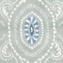 Safavieh Handmade Chatham Mystic Blue New Zealand Wool Rug (2'3 x 9') - Thumbnail 2