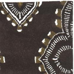 Safavieh Handmade Chatham Mystic Brown New Zealand Wool Rug (2'3 x 9')