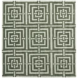 Safavieh Handmade Chatham Basketweave Sage New Zealand Wool Rug (7' Square)