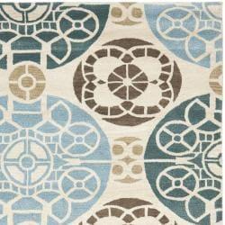 Safavieh Handmade Chatham Treasures Beige New Zealand Wool Rug (8' x 10') - Thumbnail 1