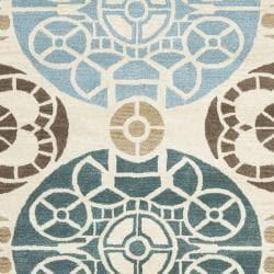 Safavieh Handmade Chatham Treasures Beige New Zealand Wool Rug (8' x 10') - Thumbnail 2