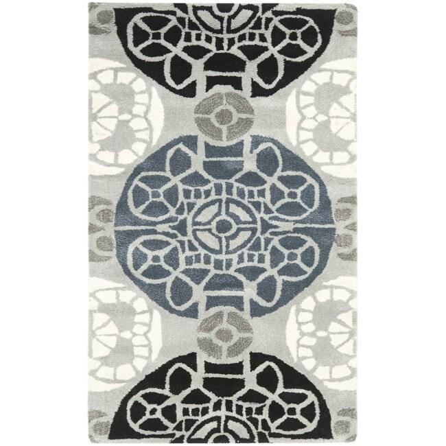 Safavieh Handmade Chatham Treasures Grey New Zealand Wool Rug - 2'6 x 4'