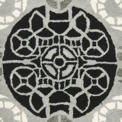 Safavieh Handmade Chatham Treasures Grey New Zealand Wool Rug (2'3 x 9') - Thumbnail 2