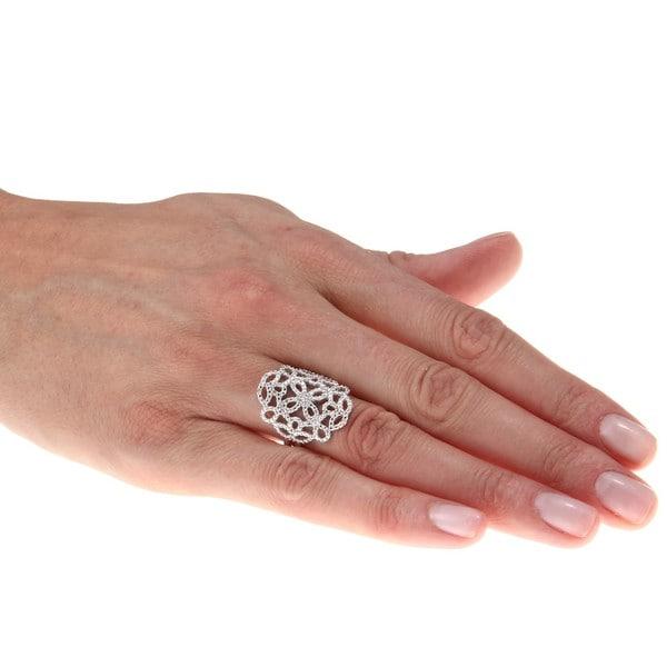 Sterling Silver 1/10ct TDW Diamond Floral Pattern Ring (J-K, I2-I3)