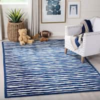 Safavieh Handmade Children's Stripes Ivory/ Blue N. Z. Wool Rug - 4' x 6'