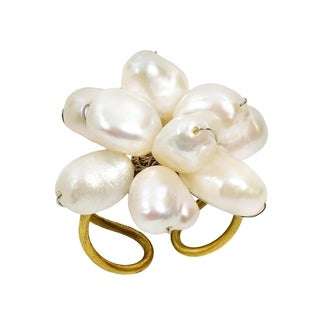 Handmade Elegant White Pearl Cluster Chrysanthemum Statement Ring (Thailand)
