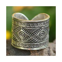 Handmade Sterling Silver 'Chiang Rai Promise' Ring (Thailand)