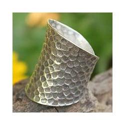 Handmade Sterling Silver 'Chiang Mai Moonlight' Ring (Thailand)