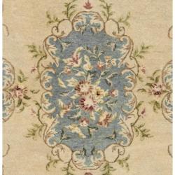 Safavieh Handmade Ivory/ Light Blue Hand-spun Wool Rug (4' x 6') - Thumbnail 2