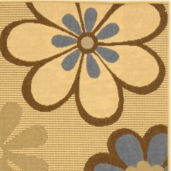 "Safavieh Courtyard Flowers Natural/ Blue Indoor/ Outdoor Rug (5'3"" x 7'7"") - Thumbnail 1"