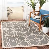 """Safavieh Courtyard Geometric Trellis Grey/ Beige Indoor/ Outdoor Rug - 4' x 5'-7"""""""