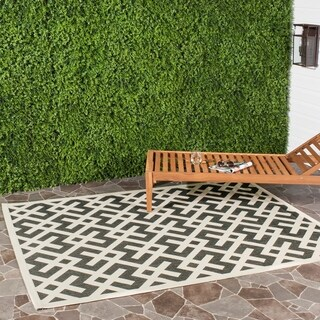 Safavieh Courtyard Contemporary Black/ Bone Indoor/ Outdoor Rug (6'7 x 9'6)