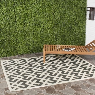 Safavieh Courtyard Contemporary Black/ Bone Indoor/ Outdoor Rug (6'7 x 9'6)