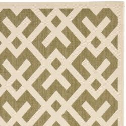 Safavieh Courtyard Contemporary Green/ Bone Indoor/ Outdoor Rug (8' x 11'2) - Thumbnail 1