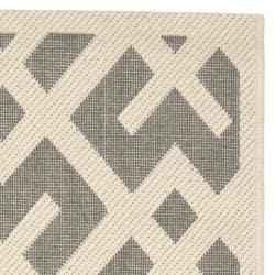 Safavieh Courtyard Contemporary Grey/ Bone Indoor/ Outdoor Rug (2'4 x 6'7) - Thumbnail 1