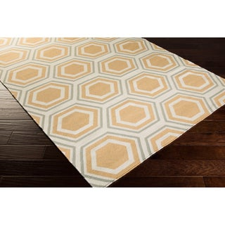 Hand-woven Yellow Chichen Wool Rug (8' x 11')