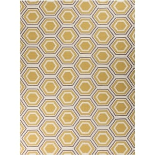 Hand-woven Yellow Petra Wool Area Rug - 8' x 11'