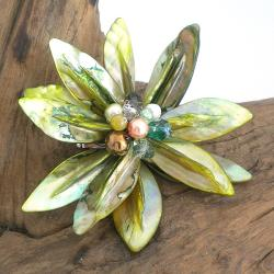 Pretty Green Water Lily Mother of Pearl Pin/ Brooch (Thailand)