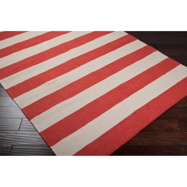 Hand-woven Red Wool Binning Rug (5' x 8')
