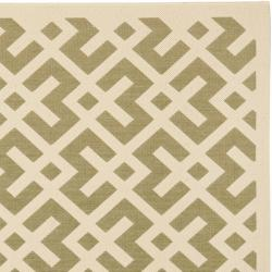 Safavieh Courtyard Contemporary Green/ Bone Indoor/ Outdoor Rug (6'7 Square) - Thumbnail 1