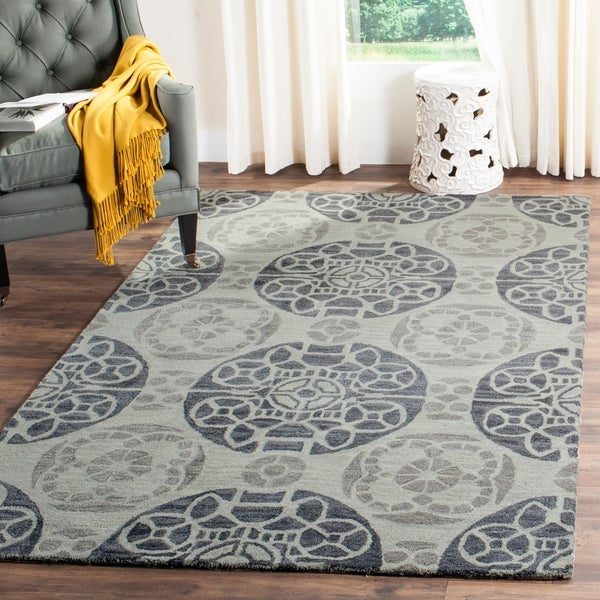 Safavieh Handmade Chatham Treasures Silver New Zealand Wool Rug - 8' x 10'