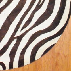 Indo Hand-tufted Zebra-print Brown/ Ivory Wool Rug (8' Round) - Thumbnail 2