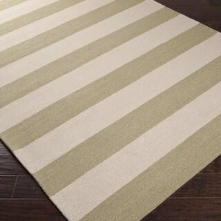 Hand-hooked Green Pembina Indoor/Outdoor Stripe Rug (5' x 8')