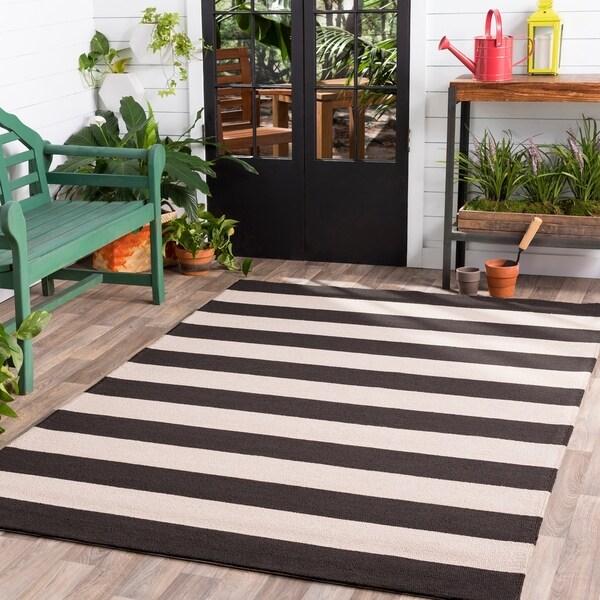Hand-hooked Brown Snaring Indoor/Outdoor Stripe Area Rug - 8' x 10'
