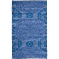 Safavieh Handmade Chatham Treasures Blue New Zealand Wool Rug (2'6 x 4') - 2'6 x 4'
