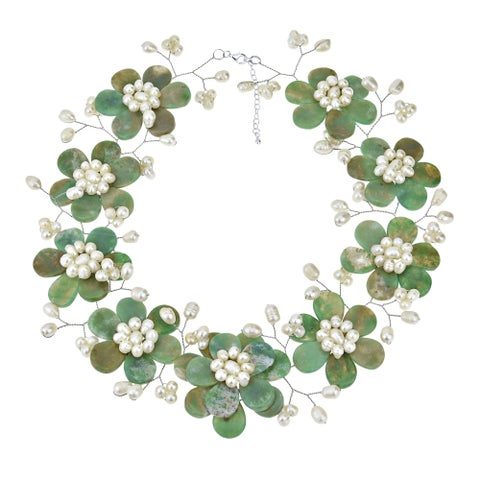 Handmade Sublime Green Floral Natural Stone-Freshwater White Pearl Necklace (Thailand)