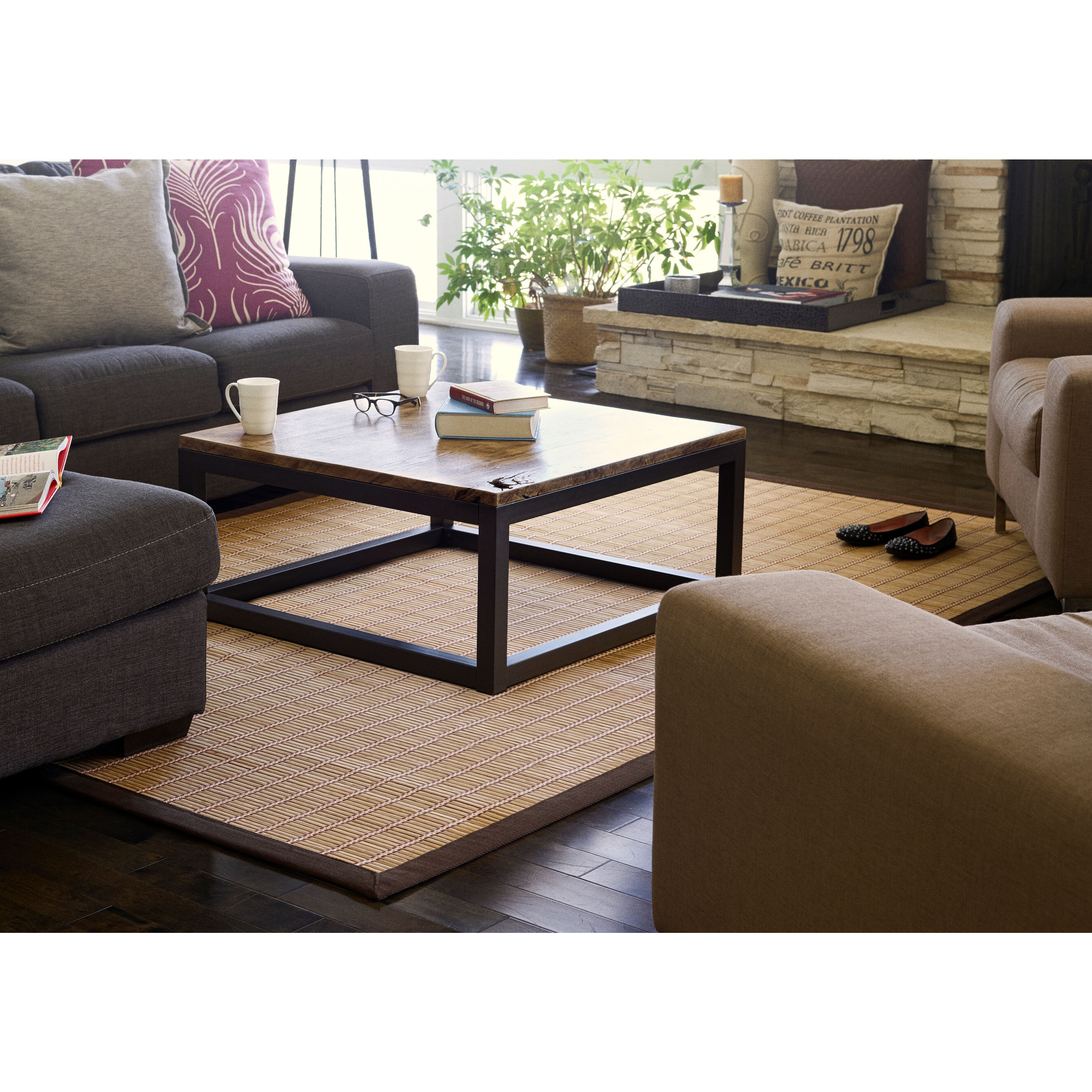 Jani Zenith Bamboo Rug with Brown Border (4' x 6') - 4' x...