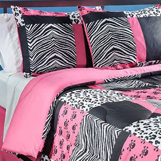 Sassy Patch Full-size 4-piece Comforter Set|https://ak1.ostkcdn.com/images/products/6584706/P14158749.jpg?impolicy=medium
