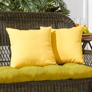 Porch & Den Rosewood Graham Yellow Outdoor 17-inch Accent Pillow (Set of 2)