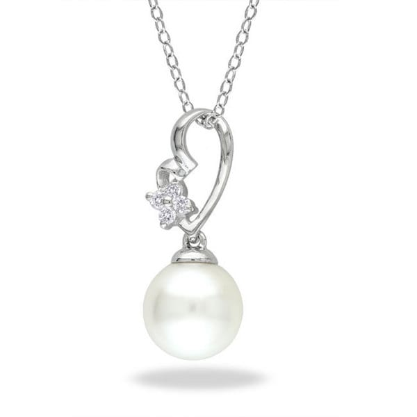 Miadora Sterling Silver FW Pearl and Diamond Necklace (G-H, I3) (9-9.5 mm)
