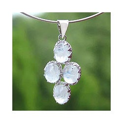 Handmade Sterling Silver 'Morning Frost' Moonstone Necklace (India)