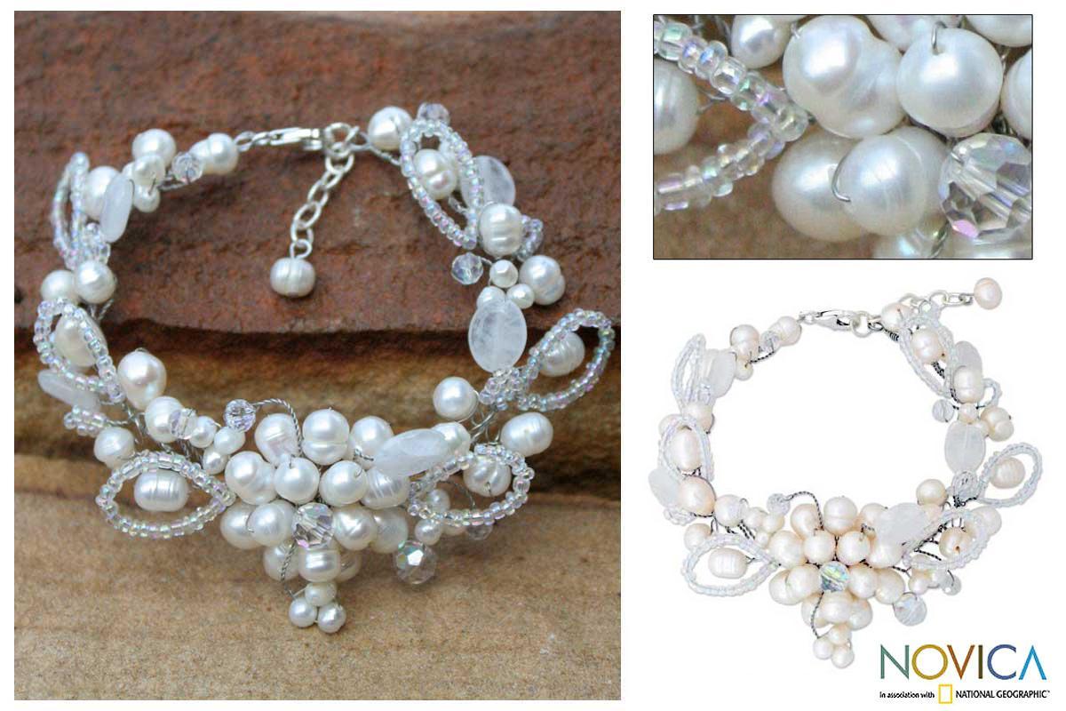Handmade Pearl 'Iridescent' Quartz Bracelet (4, 6 mm) (Thailand)