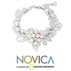 Handmade Pearl 'Iridescent' Quartz Bracelet (4, 6 mm) (Thailand) - Thumbnail 1