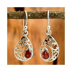 Handmade Sterling Silver 'Lace Halo' Garnet Dangle Earrings (India)