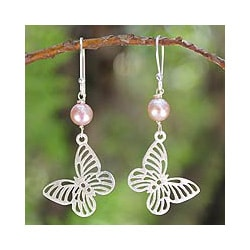 Handmade Sterling Silver 'Butterfly Moons' Pearl Earrings (6.5 mm) (Thailand)