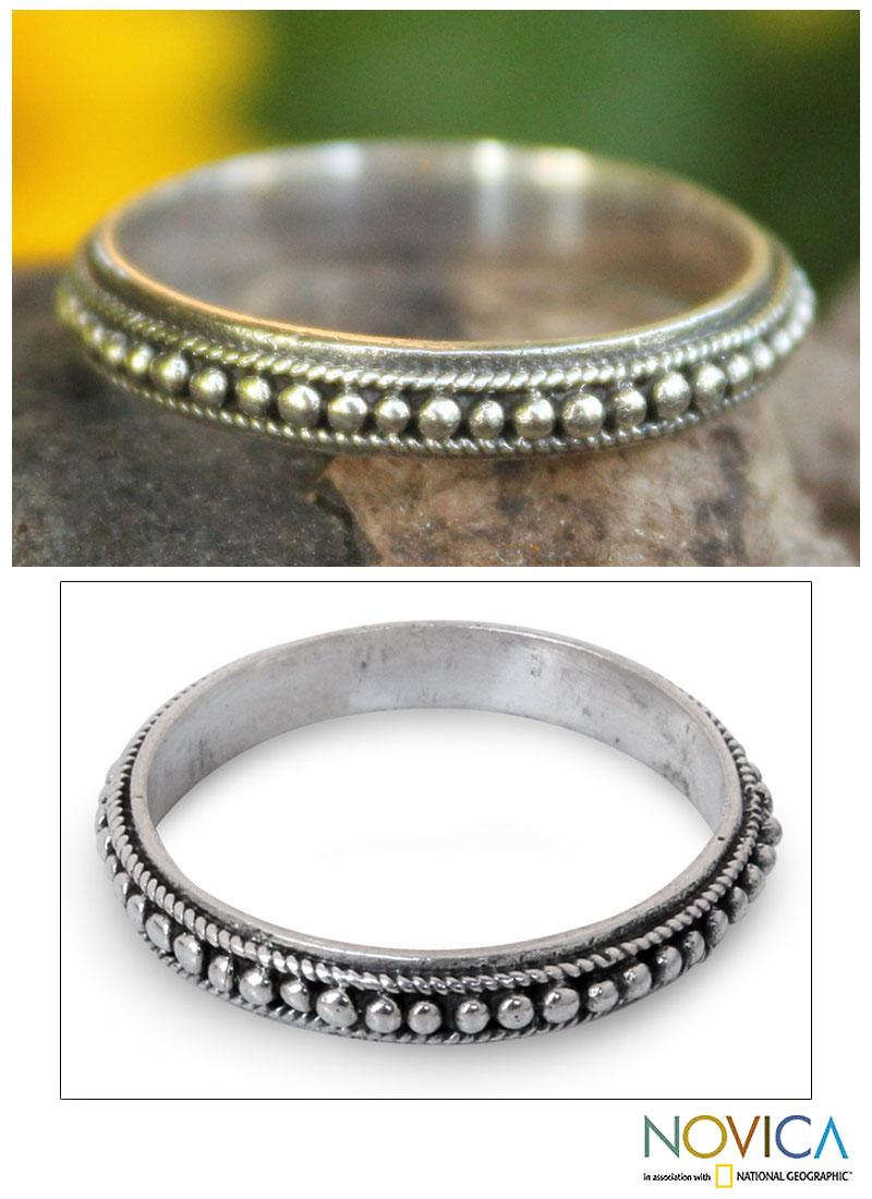 Handmade Sterling Silver 'Circle of Stars' Band Ring (Thailand)