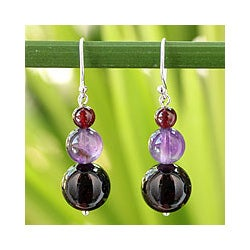 Handmade Sterling Silver 'Sweet Love' Garnet and Amethyst Earrings (Thailand)