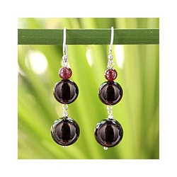 Handmade Sterling Silver 'Impassioned Love' Garnet Earrings (Thailand)