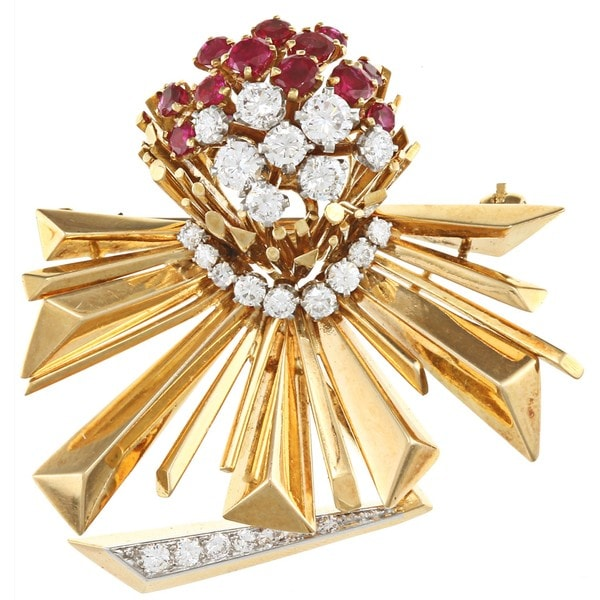 Pre-owned 18k Gold Ruby and 1 2/5ct TDW Diamond 1950's Retro Brooch (F-G, VS1-VS2)