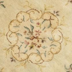 Safavieh Handmade Light Green/ Beige Hand-spun Wool Rug (4' Round) - Thumbnail 2