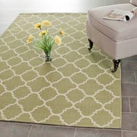 "Safavieh Poolside Green/Beige Indoor/Outdoor Polypropylene Rug (5'3"" x 7'7"") - 5'3 x 7'7"