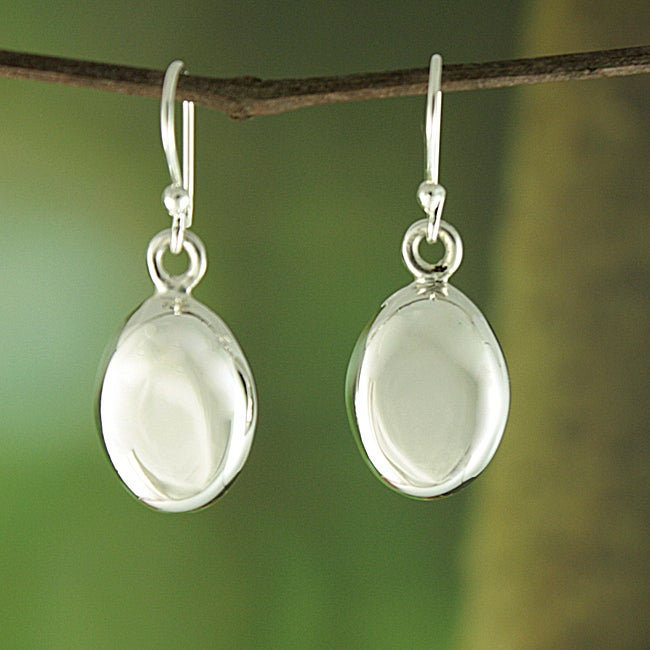 Handcrafted Alpaca Silver 'Puffed Oval' Dangle Earrings (Mexico)