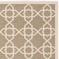 Safavieh Courtyard Geometric Trellis Brown/ Beige Indoor/ Outdoor Rug (6'7 Square) - Thumbnail 1